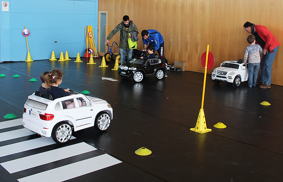Circuito Vial Para Niños : Alquiler de circuito seguridad vial con coches